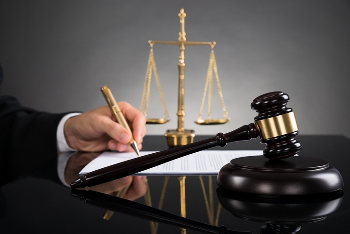 4 Tips for Choosing the Best Corporate Law Firm for Your Business