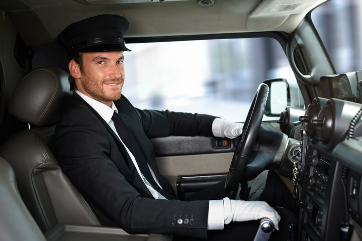 4 Events for Which You May Wish to Contract Black Car Driving Services