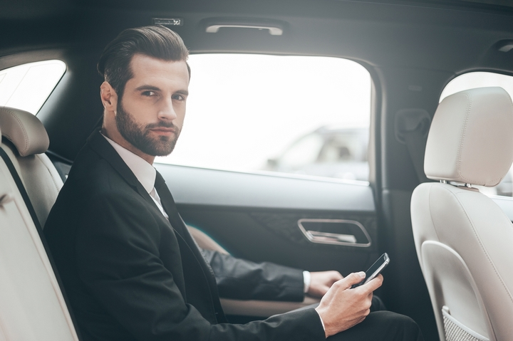 4 Benefits of Black Car Travel for Business Purposes